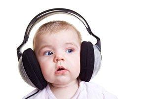 Child with headphone