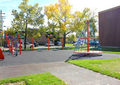 2000-days-Daycare-Calgary-outdoor-play-space
